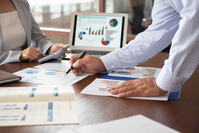 Arbitrer entre franchise, master franchise, joint venture par un audit de développement international