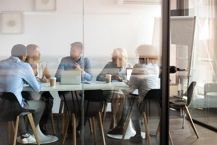 Les réunions, l'échange au sein du réseau. Une obligation du franchiseur pour faire un réseau performant